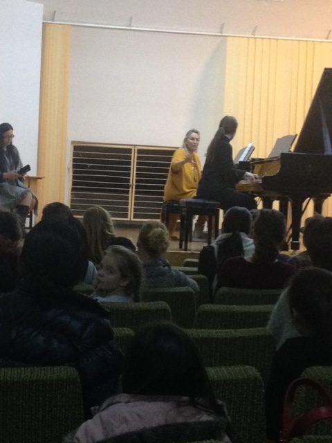 MASTER CLASSES susținut de pianista ELIZABETH SOMBART